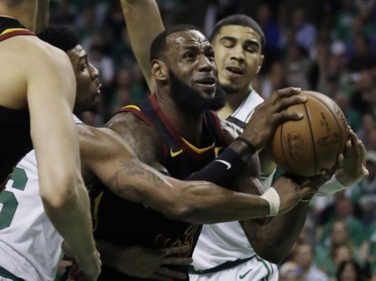 Celtics-Beat-Cavs-96-83-in-Game-5-Lead-East-Finals-3-2-696x521
